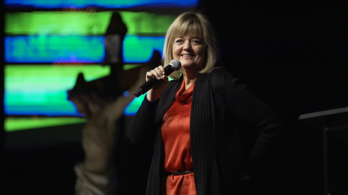 Ministering in the Glory of God – Barbara Heil